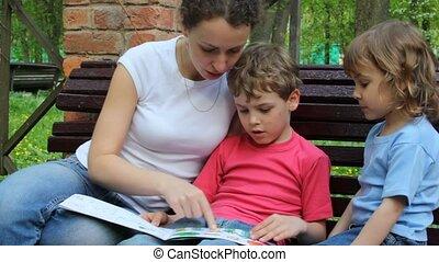 livre, gosses, lecture, mère