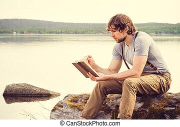 livre, jeune, lecture, homme, extérieur