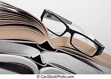 livre, lunettes