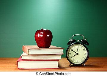 livres école, pomme, et, horloge, bureau, à, école