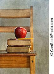 livres école, vieux, pomme, chaise