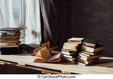 livres, bibliothèque, table, maison, beaucoup