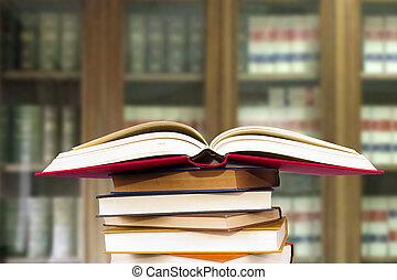 livres, empilé, bibliothèque