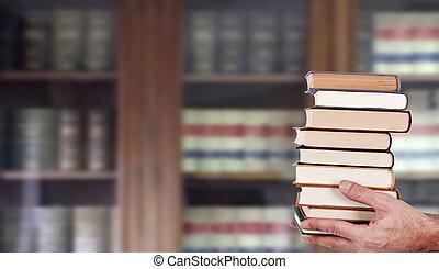 livres, empilé, bibliothèque, mains