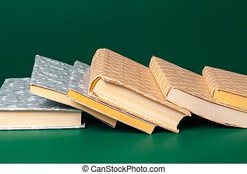 livres, haut., vert, isolé, fin, arrière-plan.