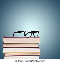 livres, lunettes