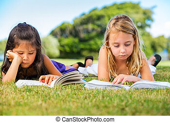 livres, peu, herbe, filles, lecture