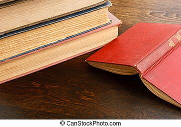 livro aberto, ligado, tabela