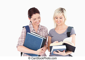 livro, estudantes, femininas, leitura