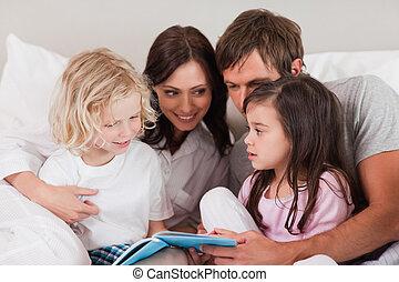 livro leitura, família