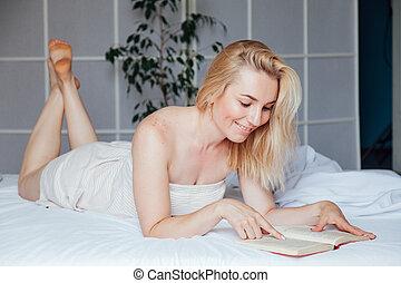 livro, loiro, quarto, cama, lê, mulher, bonito
