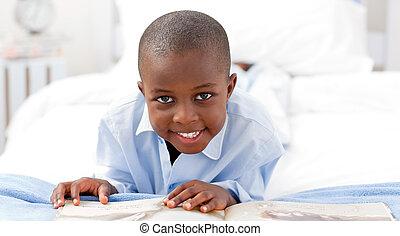 livro, pequeno, leitura menino