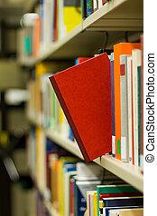 livro vermelho, estalar, saída, um, estante