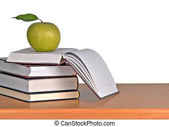 livros, maçã verde