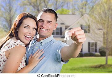 llaves, casa, pareja, nuevo, frente, hogar, militar