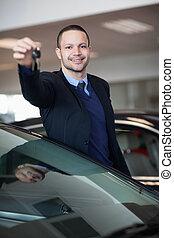 llaves, consecionario de automóviles, tenencia