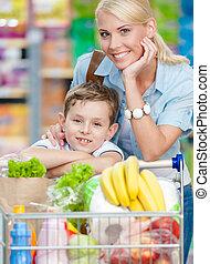 lleno, centro comercial, carrito, hijo, productos, madre