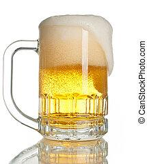 lleno, jarro de cerveza, aislado
