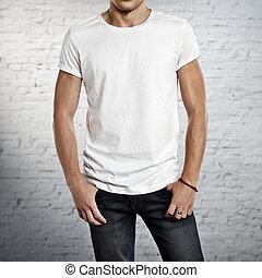 llevando, camiseta, hombre, blanco