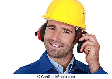 llevando, constructor, protección oreja, feliz
