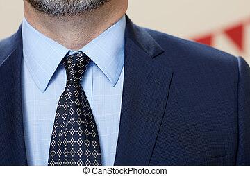 llevando, elegante, hombre, corbata, traje
