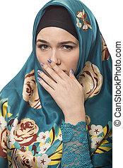 llevando, hijab, mirar, hembra, repugnado
