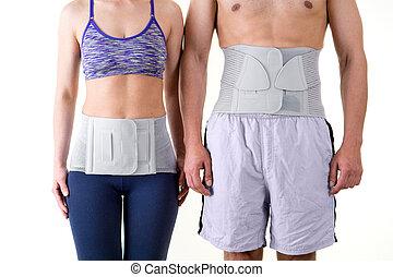llevando, mujer, atlético, apoyo, espalda, fierros, hombre