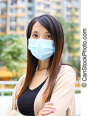 llevando, mujer, máscara, cara de asian
