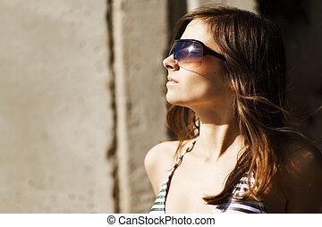 Llevando, retrato, gafas de sol, mujer, Moda