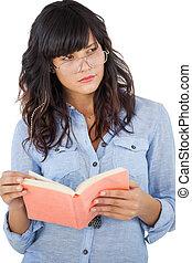 llevando, sobre, mujer, ella, pensamiento, joven, libro, anteojos
