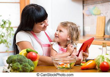 lo, grønsager, mor, sammen, tillave, barn, køkken