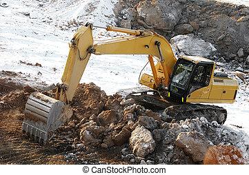 loader excavator in open cast