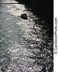Loading Canal I