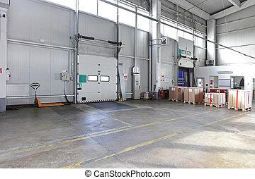 Loading door warehouse