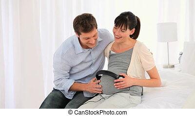 location, couple, leur, avenir, musique écouter, bébé