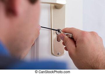 lockpicker, hand, fixa, dörr hantera, hemma