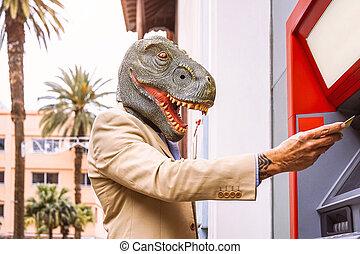 loco, surreal, concepto, efectivo, retirarse, animal, hombre, dinosaurio, 3º edad, tarjeta, máscara, mitad, máquina del banco, dinero, llevando, imagen, absurdo, débito, anunciar, -, atm, humano, t-rex
