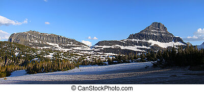 Logan pass - Panoramic view of Logan pass in Montana
