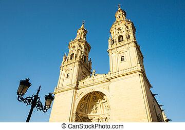 logrono, kathedrale, gegen, von, blauer himmel, mit, straße lampe