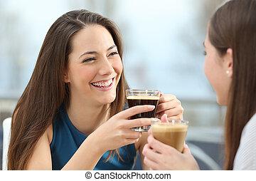 loja, café, dois, falando, amigos, mulheres