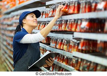 loja de ferragens, trabalhador, contagem, estoque