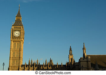 Big ben - London Big ben with blue sky background in ...