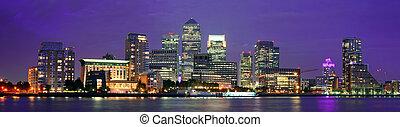 London Canary Wharf at night - Canary Wharf business ...