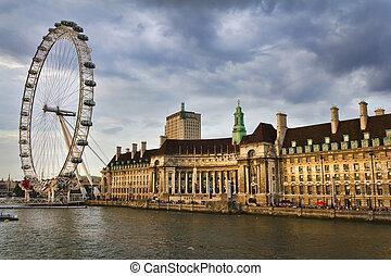 London Eye - LONDON, July 28: The London eye on July 28,...
