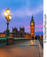 London - House of Parliament Night