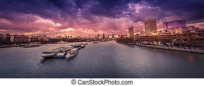 London panorama after sunset