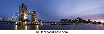 London Panorama - Panoramic evening time shot of Tower...