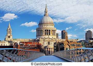 London - St Paul Cathedral, UK