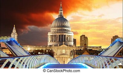 London - St Paul Cathedral, UK, tim