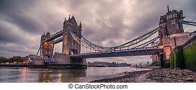 London, the United Kingdom: Tower Bridge on River Thames